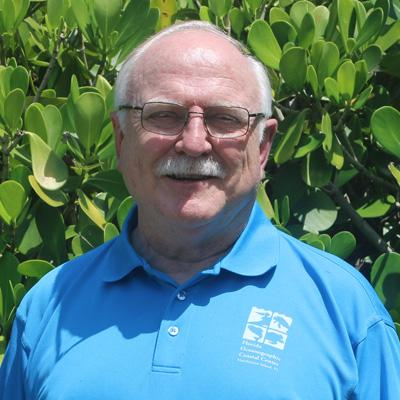Volunteer Paul Hederman